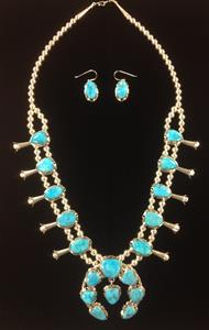 003 Kingman Turquoise Squash Necklace and Earring Set